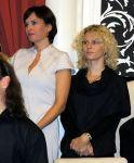 zleva: herečka a partnerka Pavla Šporcla Bára Kodetová s manažerkou Janou Dioszegi